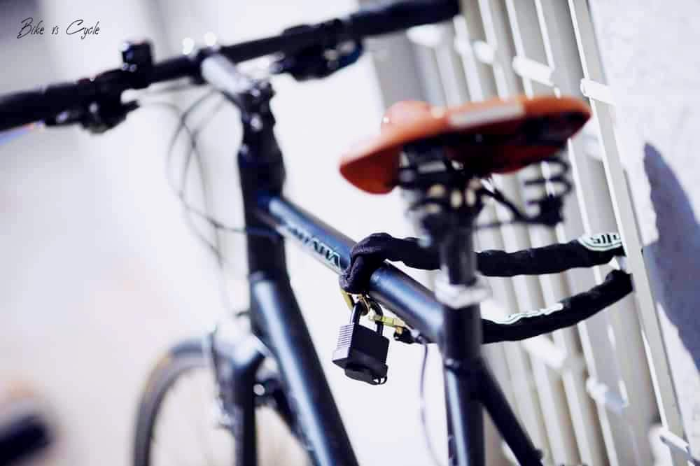 How to Lock Your Bike Without a Rack todaysbike 1