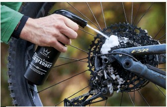 How to clean a bike, degreasing