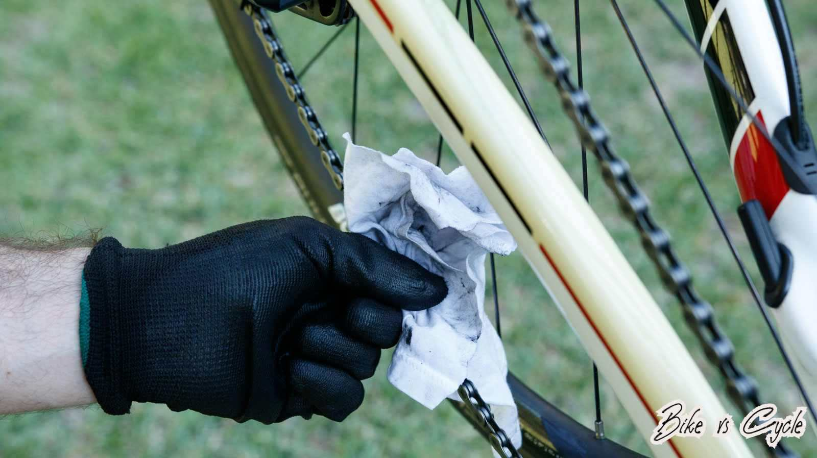 """Rags"" How to Oil a Bike Chain"